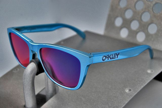 714dbdac2e Red White And Blue Oakley Frogskins « Heritage Malta