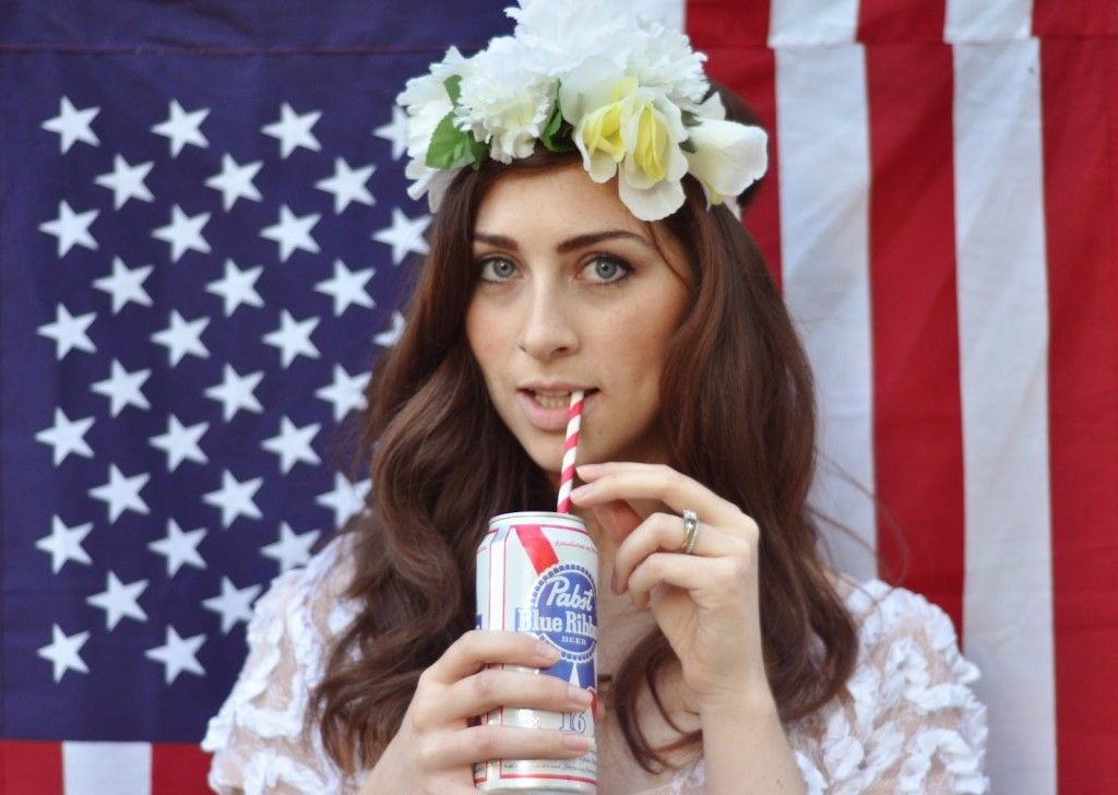 Throw A Lana Del Rey Party Lololol I Need To Be Her For Halloween Lana Del Rey Lana Del Rey Costume