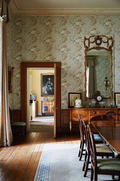 Chatsworth House Interior Layout: Old World Decor Image By Chris Rutherford