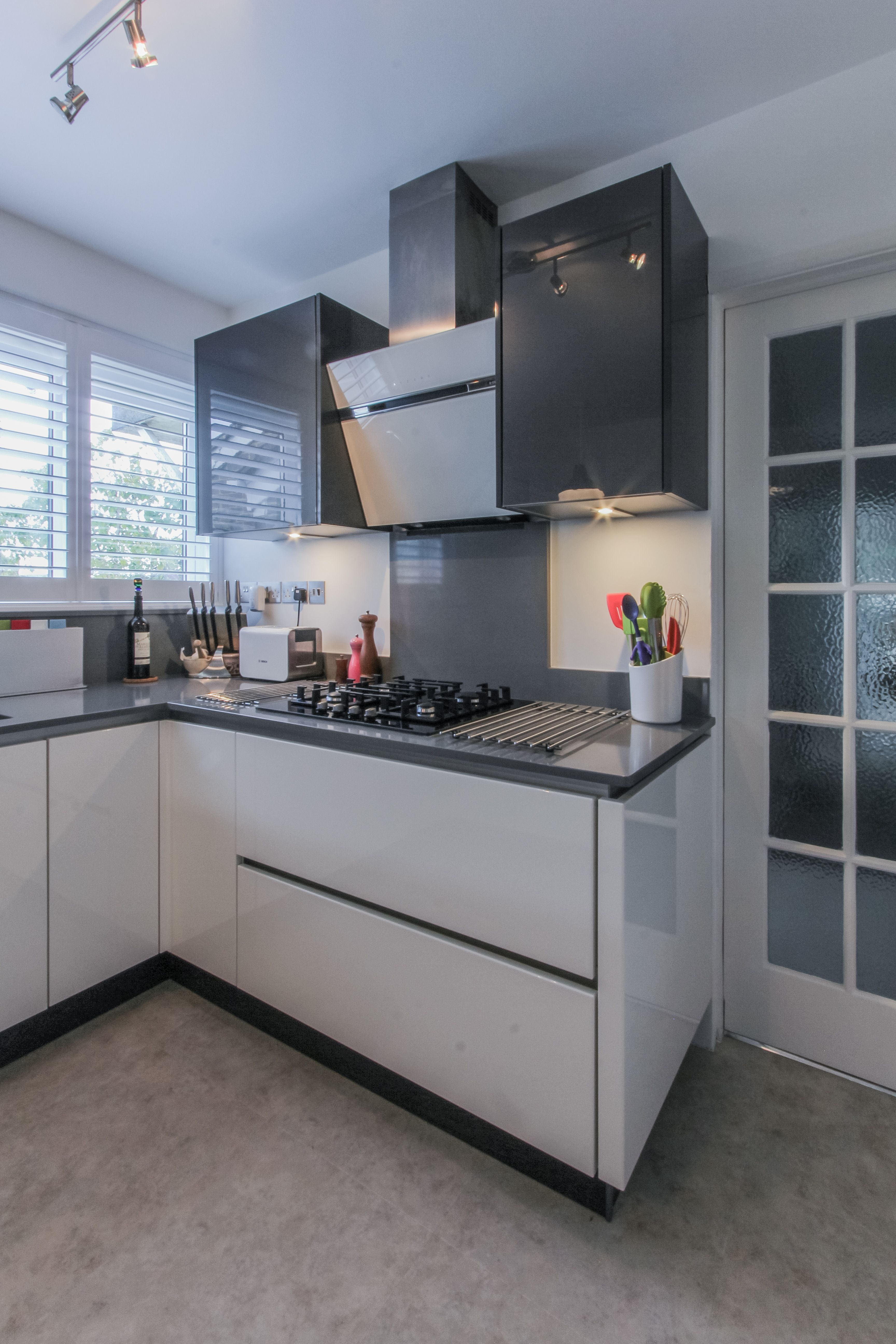 high gloss white and mineral grey in this stunning u shaped kitchen u shaped kitchen small u on u kitchen ideas small id=77758