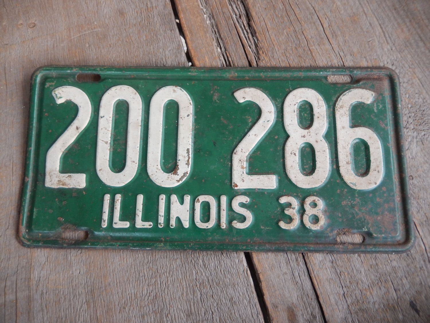 License Plate 1938 Illinois Rustic Old Metal Sign Green Wall Hanging ...
