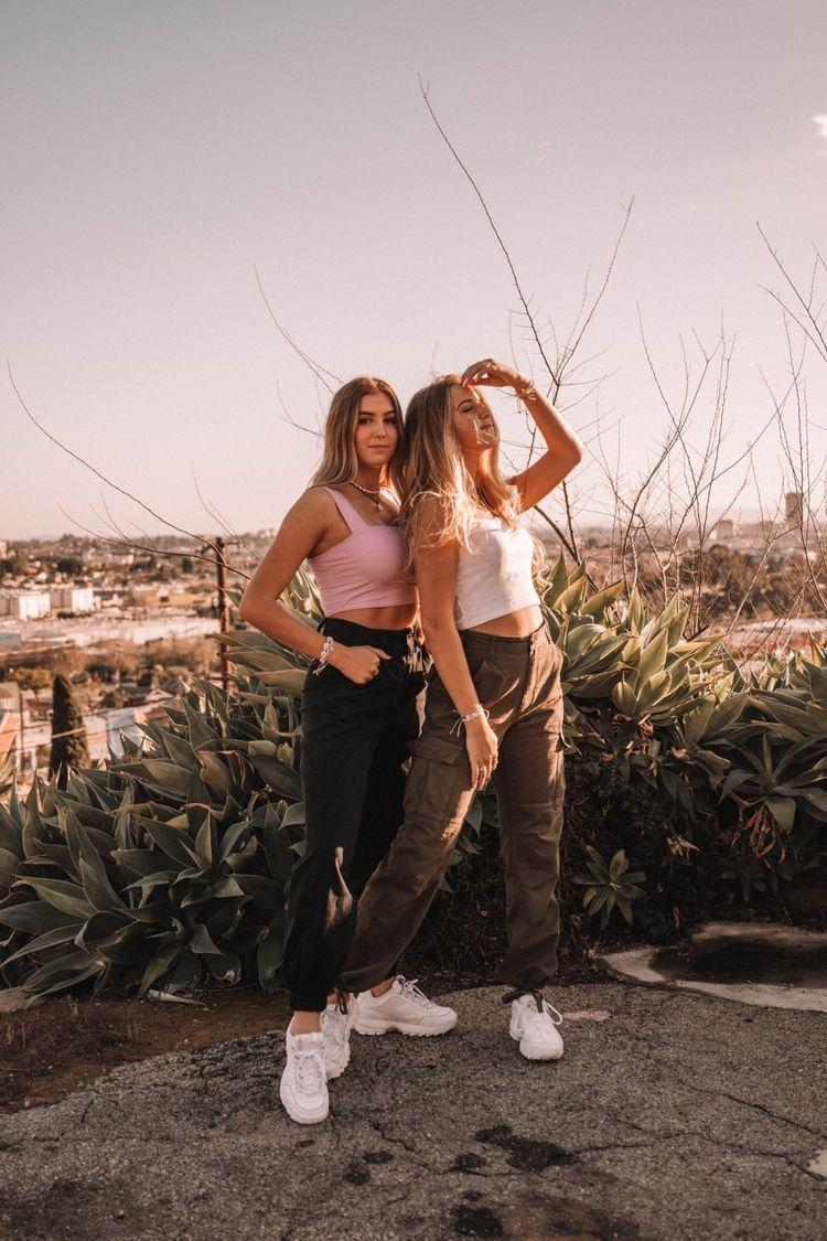 Friend Goals Vsco Friend Poses Photography Best Friends Shoot Friend Poses