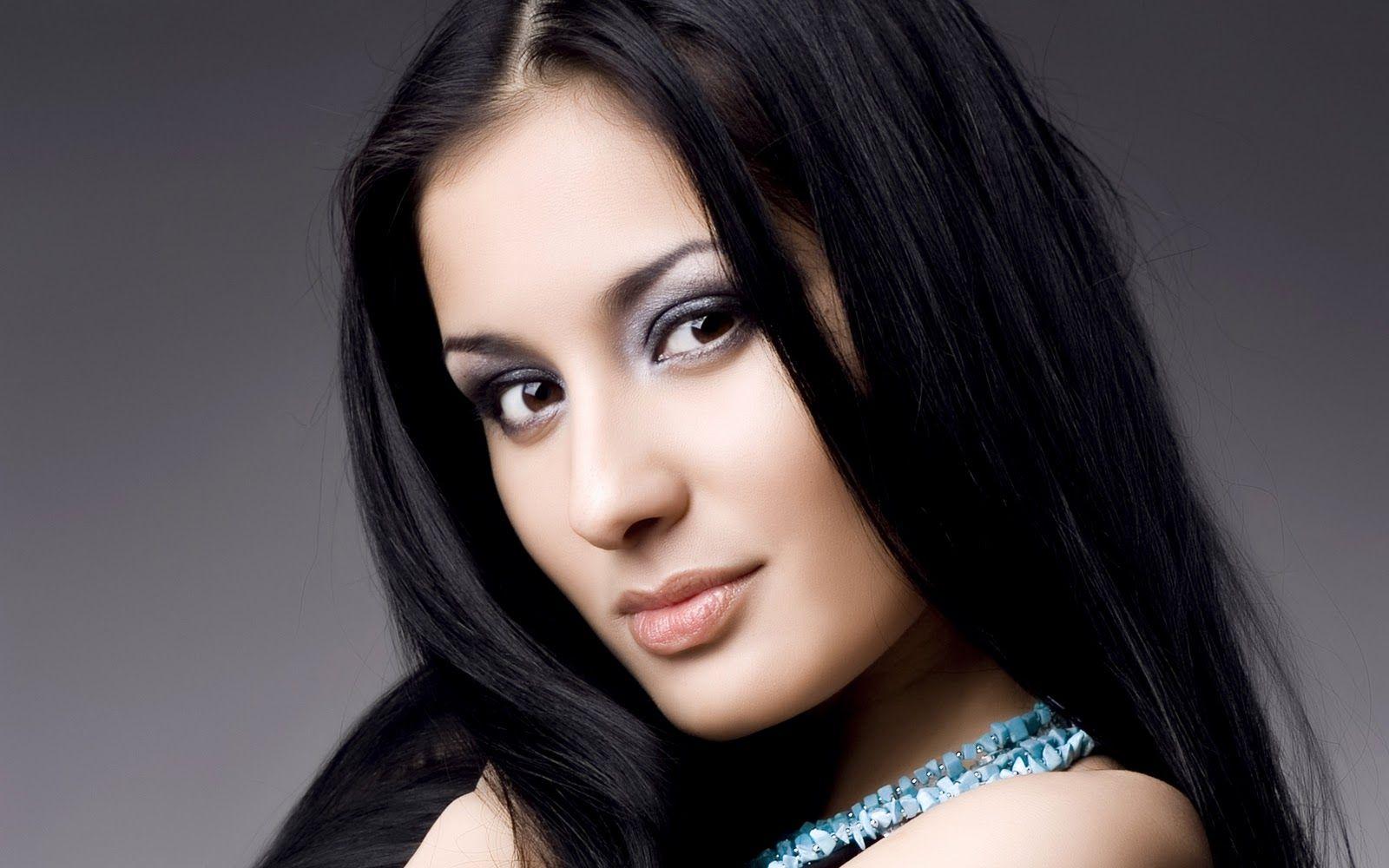 Beautiful Face Wallpaper Beautiful Face Wallpaper Images Pictures Most Beautiful Face Beautiful Face Beautiful Women Faces Indian Makeup And Beauty Blog
