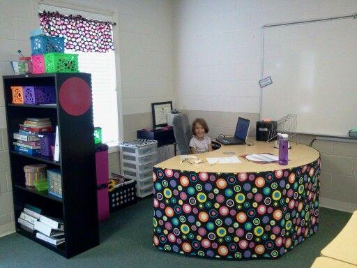 Table skirt   fabric easier? | classroom decor | Teacher
