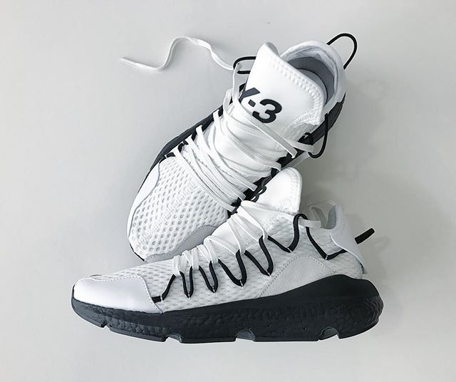 ce4515bc63462 Weve just taken delivery of the white Kusari with black BOOST from the Y-3