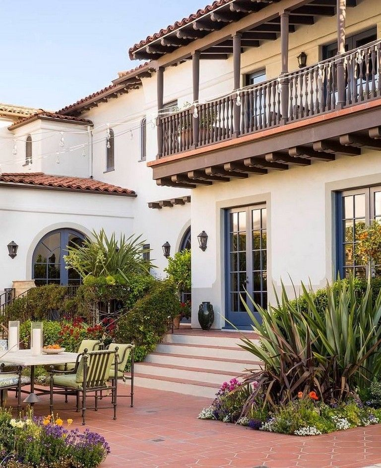 92 Stunning Second Floor Balcony Architecture Ideas Spanish Style Homes Spanish Colonial Homes Colonial Exterior