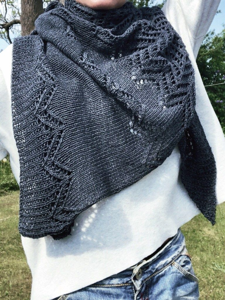 Morsø - strikket sjal i hulmønster - FiftyFabulous #strikkedesjaler