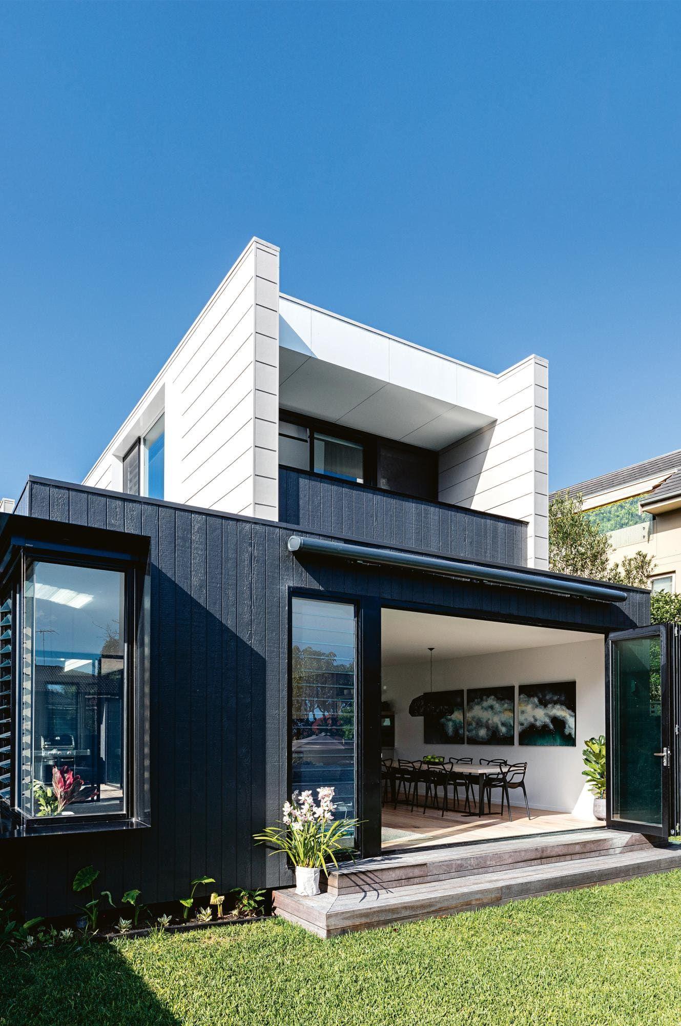 Inspiring Ideas From A Uniquely Designed Modular Home Prefabricated Houses Prefab Homes House Exterior