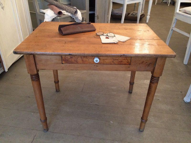 schöner kleiner antiker Tisch   Schmale esstische, Tisch