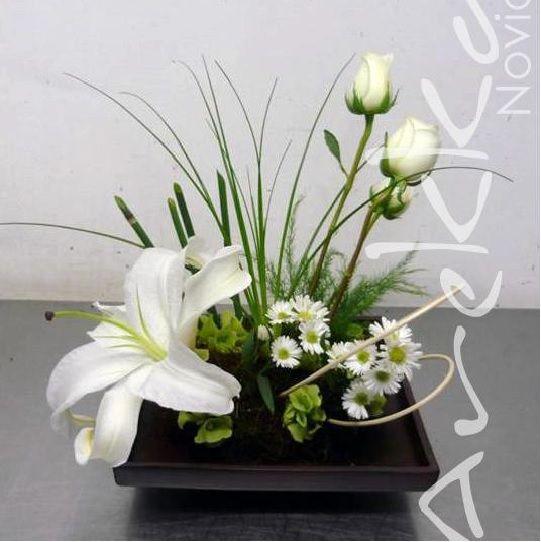 Centro de Mesa Casa Blanca + Rosas Arreglos Florales Pinterest - arreglos de mesa