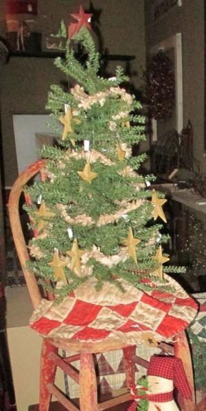 Primitive Christmas Tree With Handmade Primitive Garland By Loretta Primitive Christmas