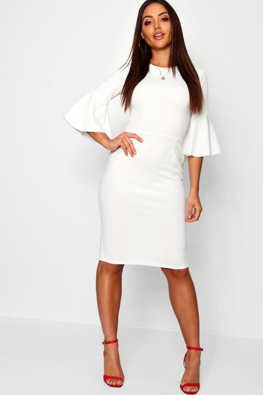 3 4 Angel Sleeve Crew Neck Midi Dress Boohoo In 2021 White Dresses For Women Dresses Simple White Dress [ 1500 x 1000 Pixel ]