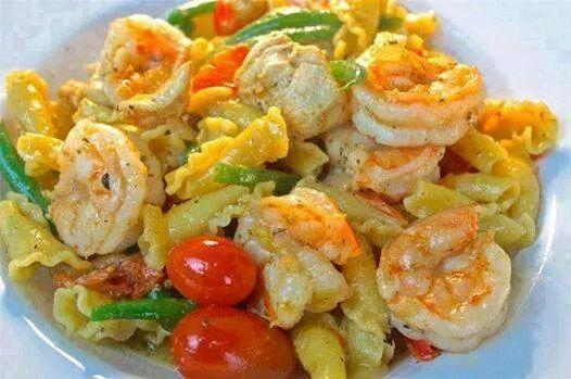 Chivken shrimp pasta