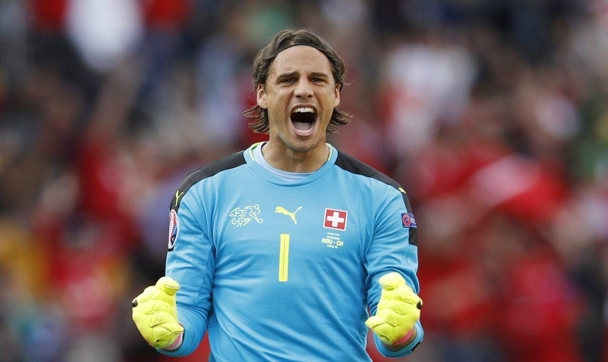 Wzrost Mu Nie Przeszkadza Sommer Jest Najnizszy I Najlepszy Na Euro Soccer Boyfriend Football Soccer