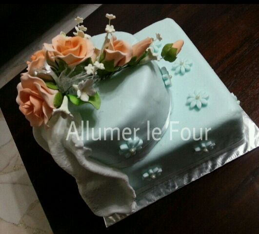 レシピとお料理がひらめくSnapDish - 2件のもぐもぐ - Fondant Coated 2 Tier Cake by by Yati Yusop