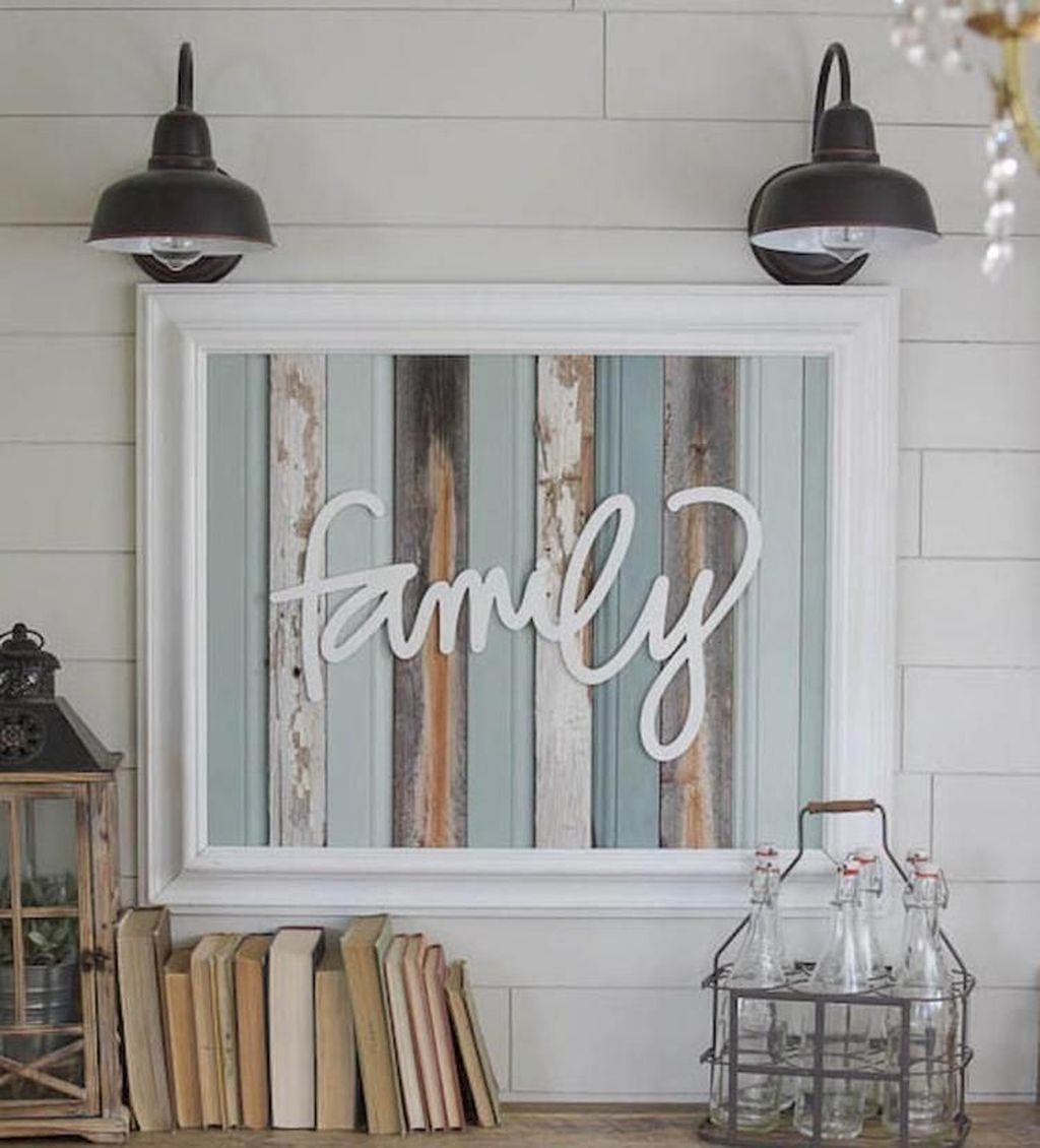 48 Cozy Coastal Farmhouse Decor Ideas is part of Coastal decor 2018 - Are you daydreaming of owning a luxurious home lavished with unique furnishings or perhaps your mind wanders to the charming […]