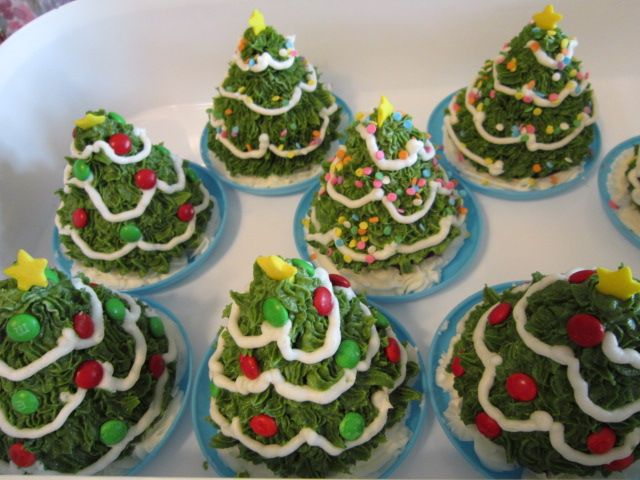 These Mini Christmas Tree Cupcakes Are Made With A Silicone Pan I