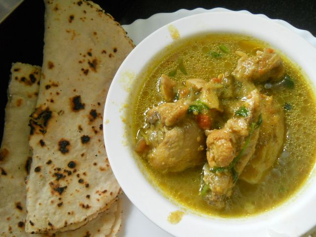 Indian green chicken curry recipe chicken dishes pinterest indian green chicken curry recipe forumfinder Choice Image
