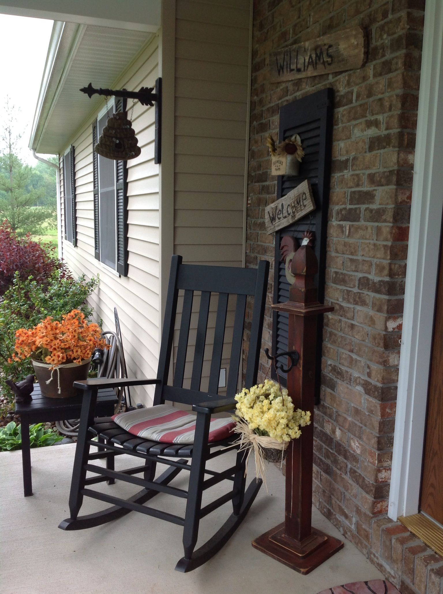 Mudroom Addition To Front Of House Yahoo Search Results: Country Porch, Small Porch Decorating, Primitive Homes