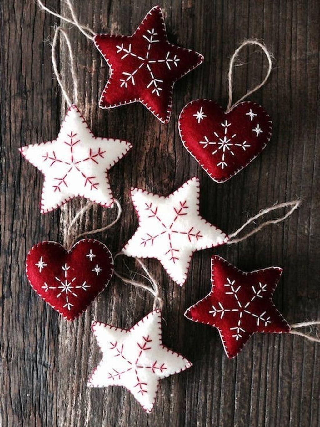 30 Pretty Scandinavian Style For Christmas Decoration Ideas Handmade Christmas Decorations Christmas Star Decorations Felt Christmas Decorations