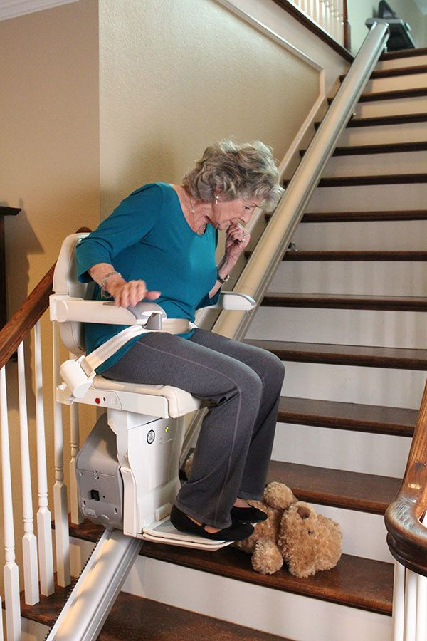 Sensors In The Easy Climber Automatically Stop The Stair Lift If There Is Anything Obstructing It S Path Http Www Eas House Elevation Stair Lift Stair Lifts