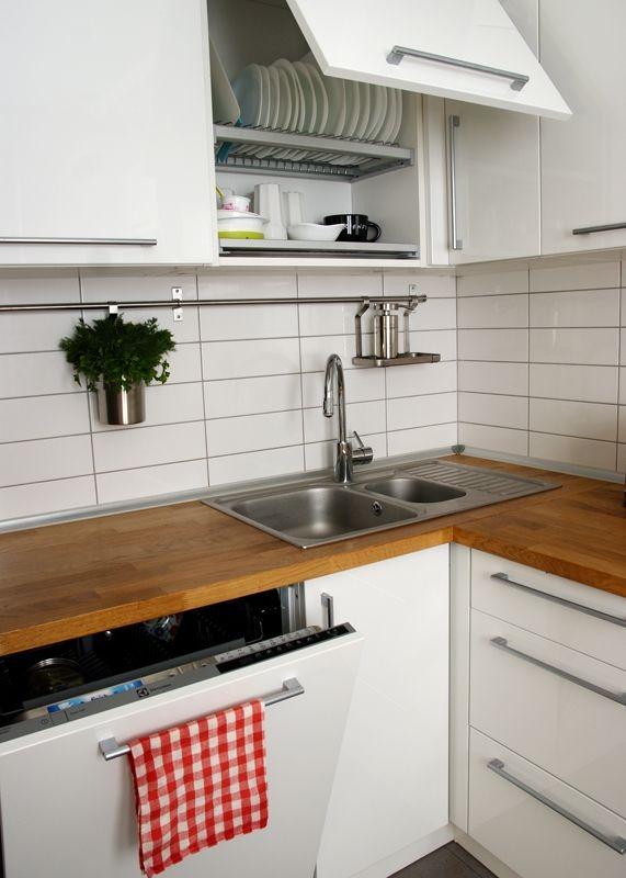 Белая кухня с гостиной в скандинавском стиле 10,5 кв.м (12 ...