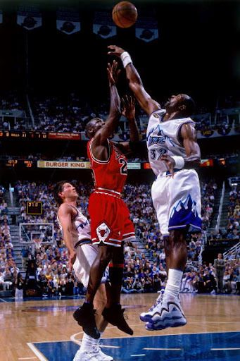 Karl Malone vs Michael Jordan