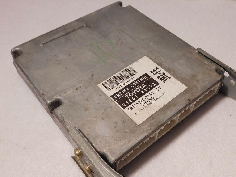 1998 98 Toyota Tacoma 4x4 Manual Trans 89661 04372 Engine Computer
