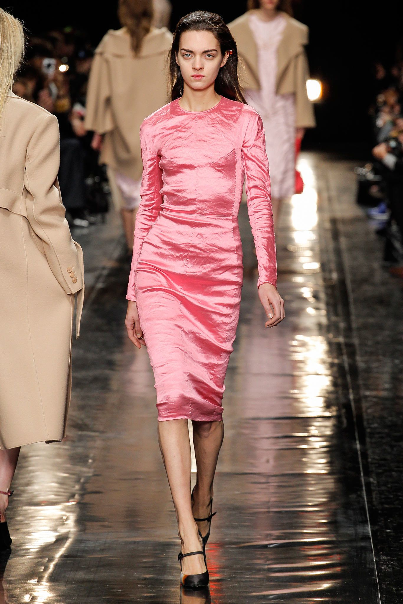 pink satin dress#Carven Fall 2013 Ready-to-Wear Fashion Show - Magda Laguinge