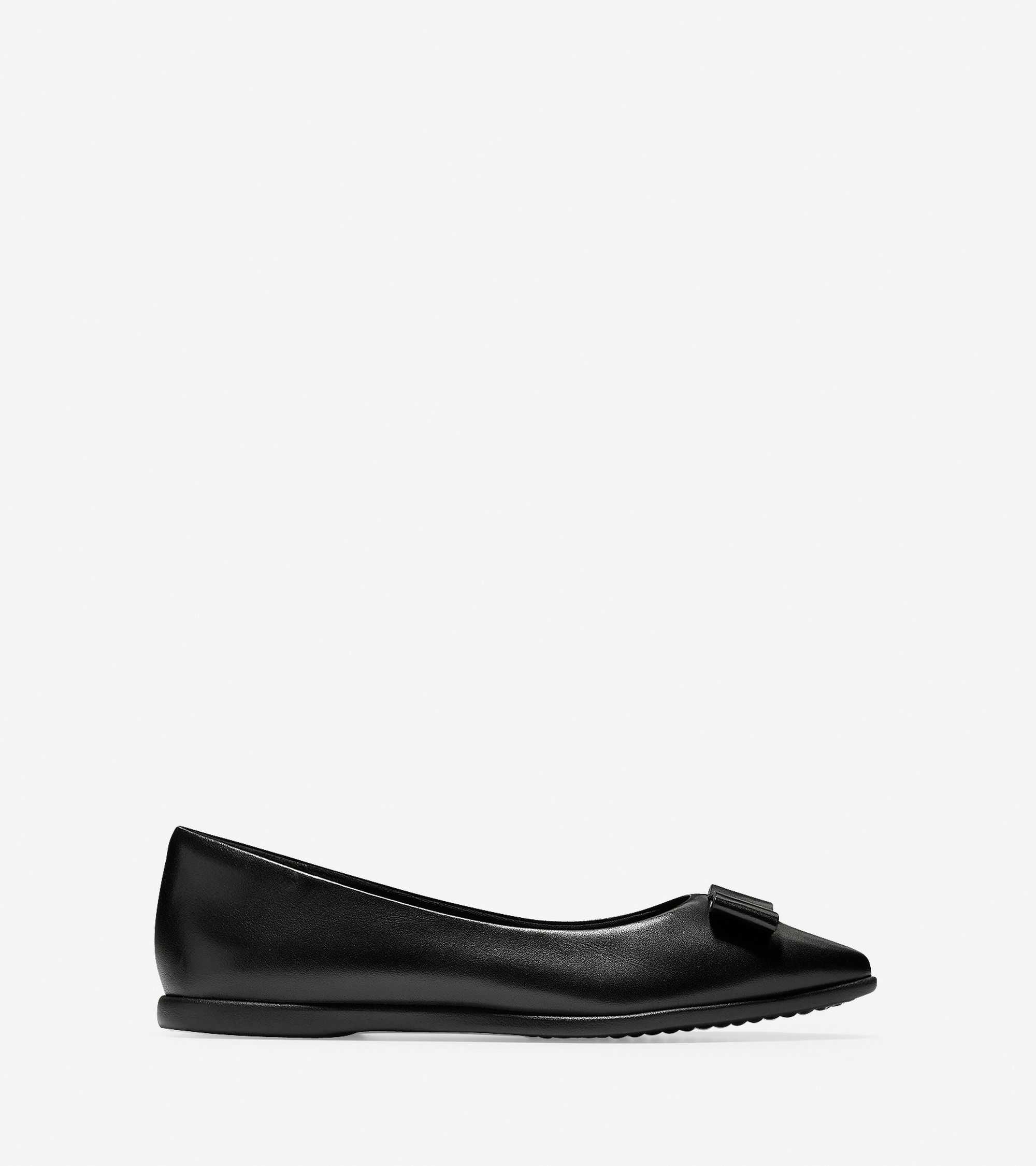 b733dbba4 Cole Haan Women's 3.ZERØGRAND Bow Skimmer Flat (Black, 8.5 C) in ...