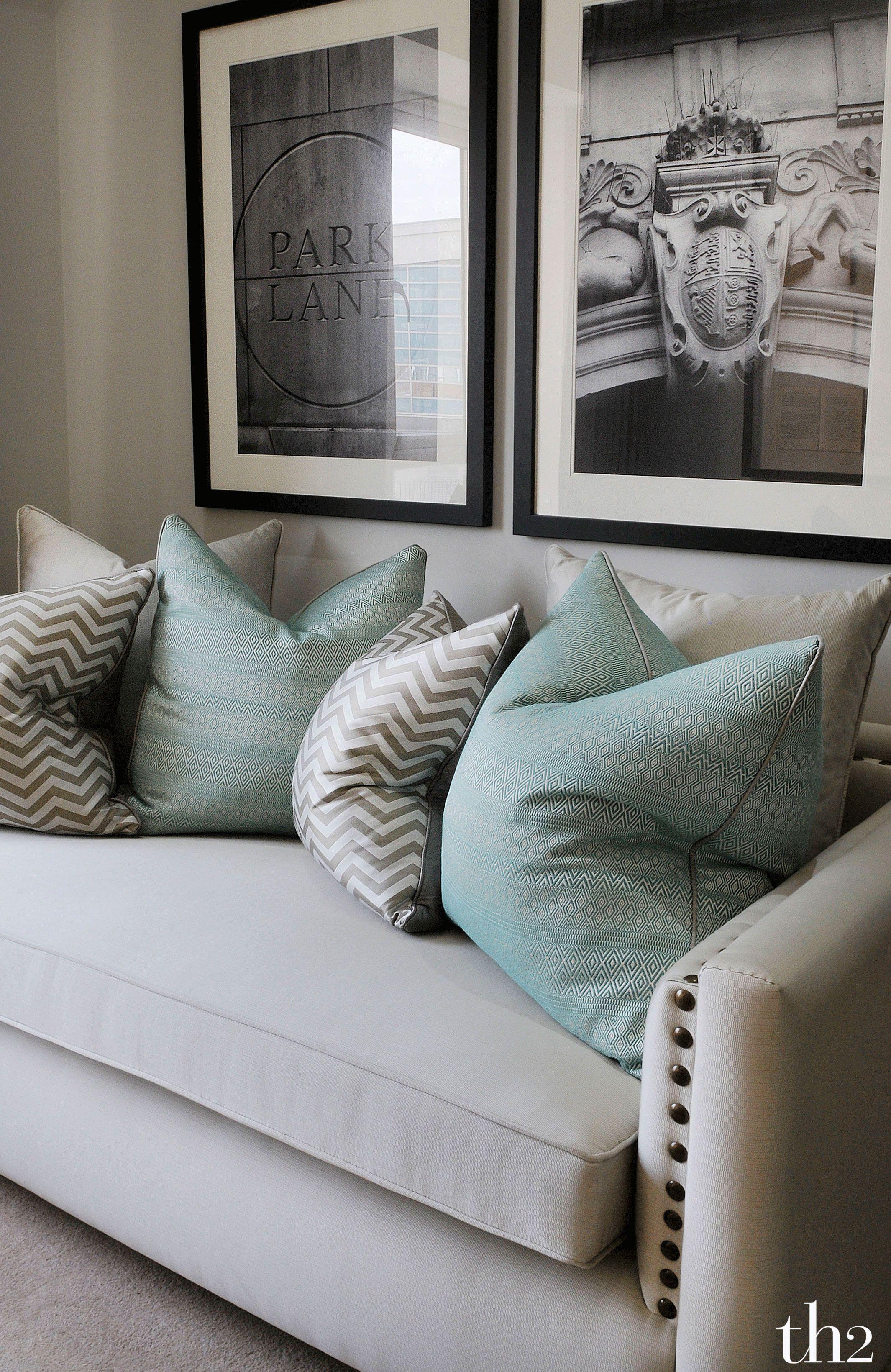 13 Glorious Decorative Pillows Modern Ideas Living Room Decor Pillows Pillow Decorative Bedroom Mint Living Rooms