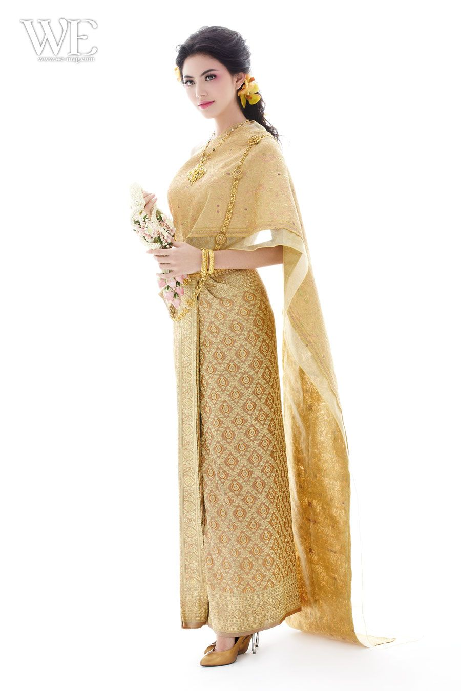 Thai wedding dress | Thai ~ Dress ( Traditional ...