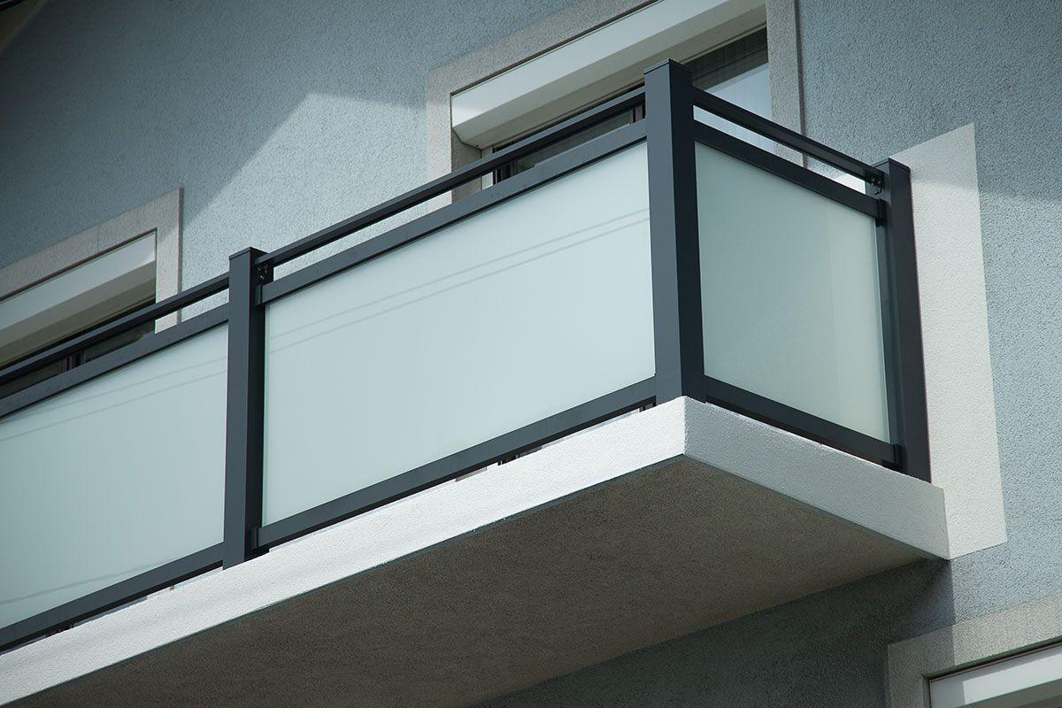 Alu Glas Stiegen Balkongelander Mit Bildern Balkon Gelander
