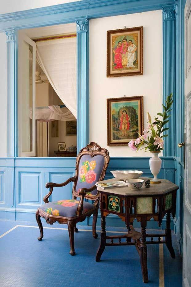 Designer Home Interiors: Beautiful Blue Monochromatic Theme With Vintage Indian