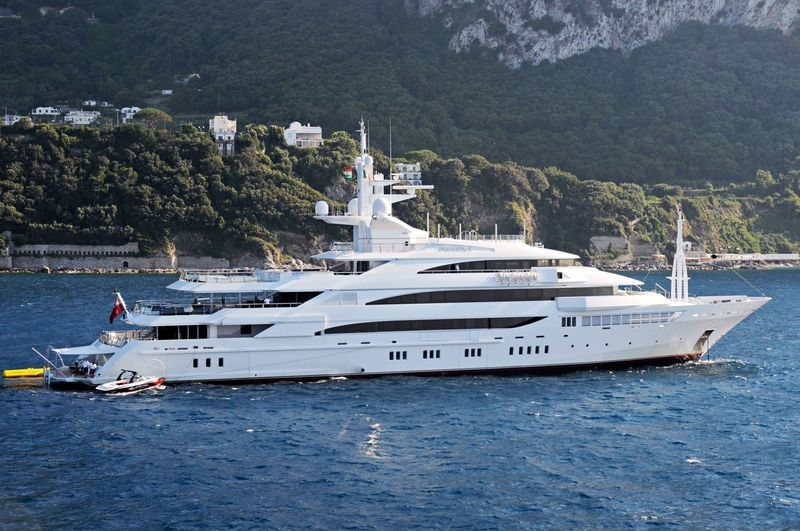 LakshmiMittal owns #Superyacht which is called Amevi ...