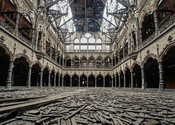 The chambre du commerce in antwep belgium shut down for - Chambre du commerce bayonne ...