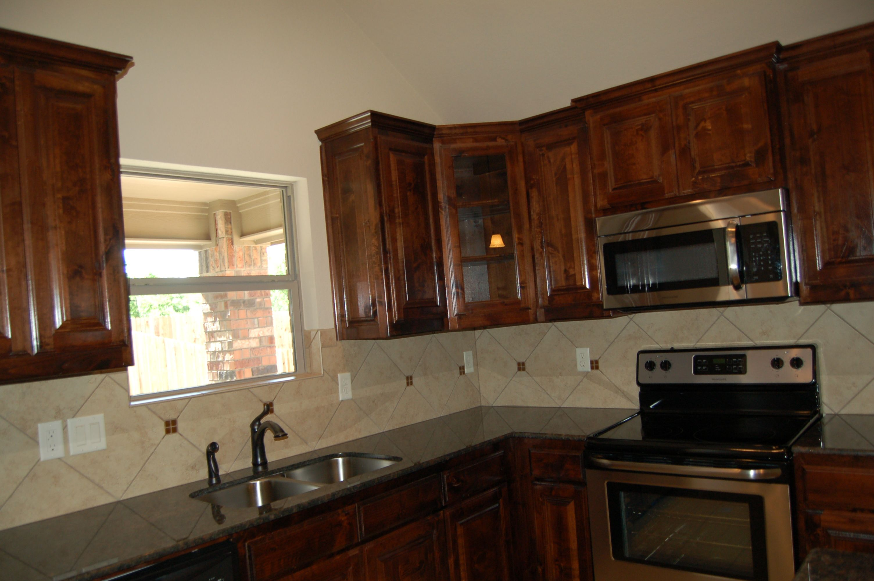 Custom Cabinets, McBee Homes, Fort Worth, TX New Homes ...