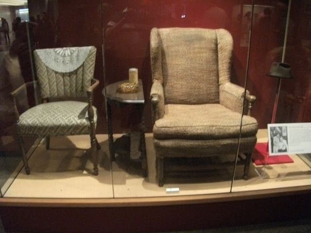Smithsonian Institute Edith And Archie Bunker S Chairs