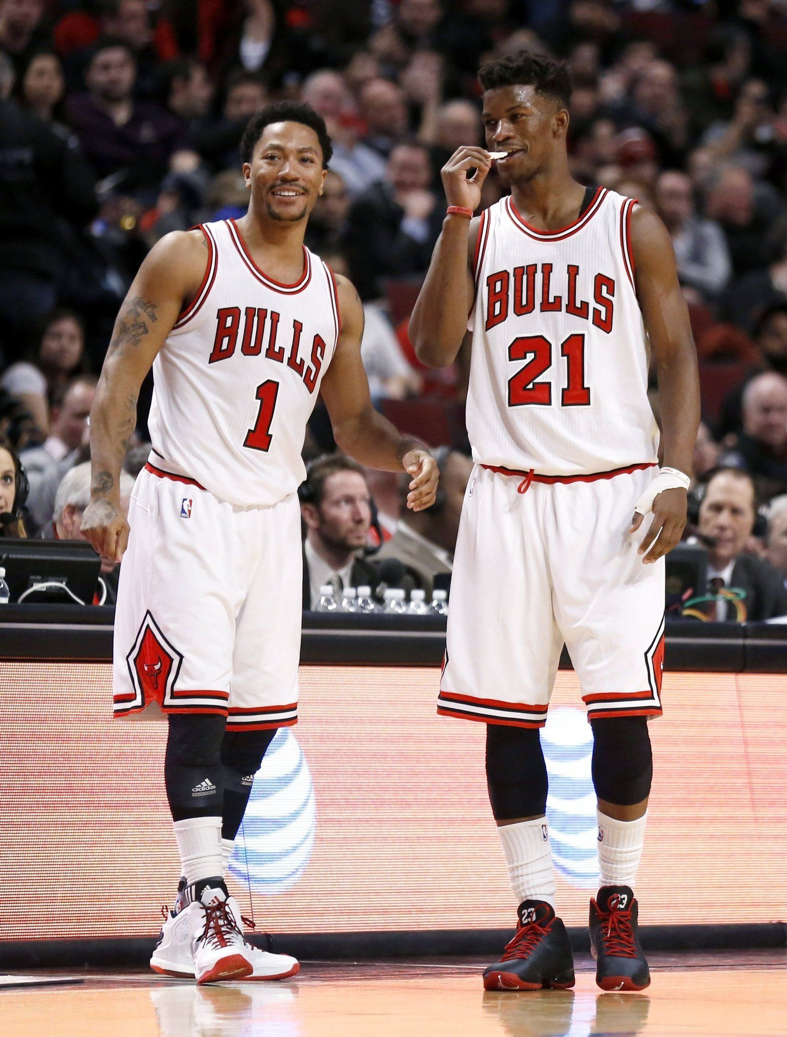 Derrick Rose And Jimmy Butler Basketball Players Love And Basketball Chicago Bulls