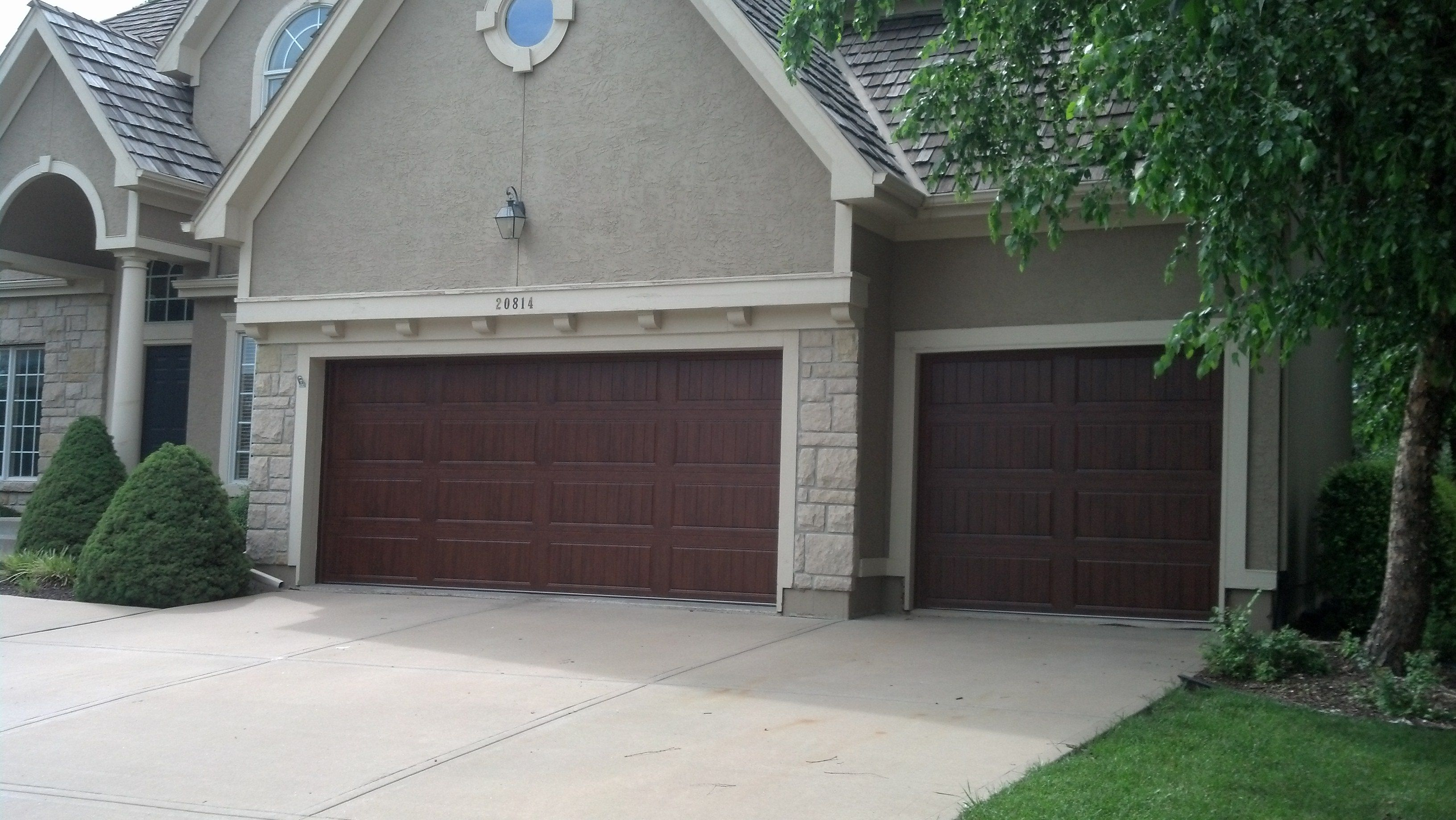 Clopay gallery collection ultragrain finish double single for Clopay steel garage doors