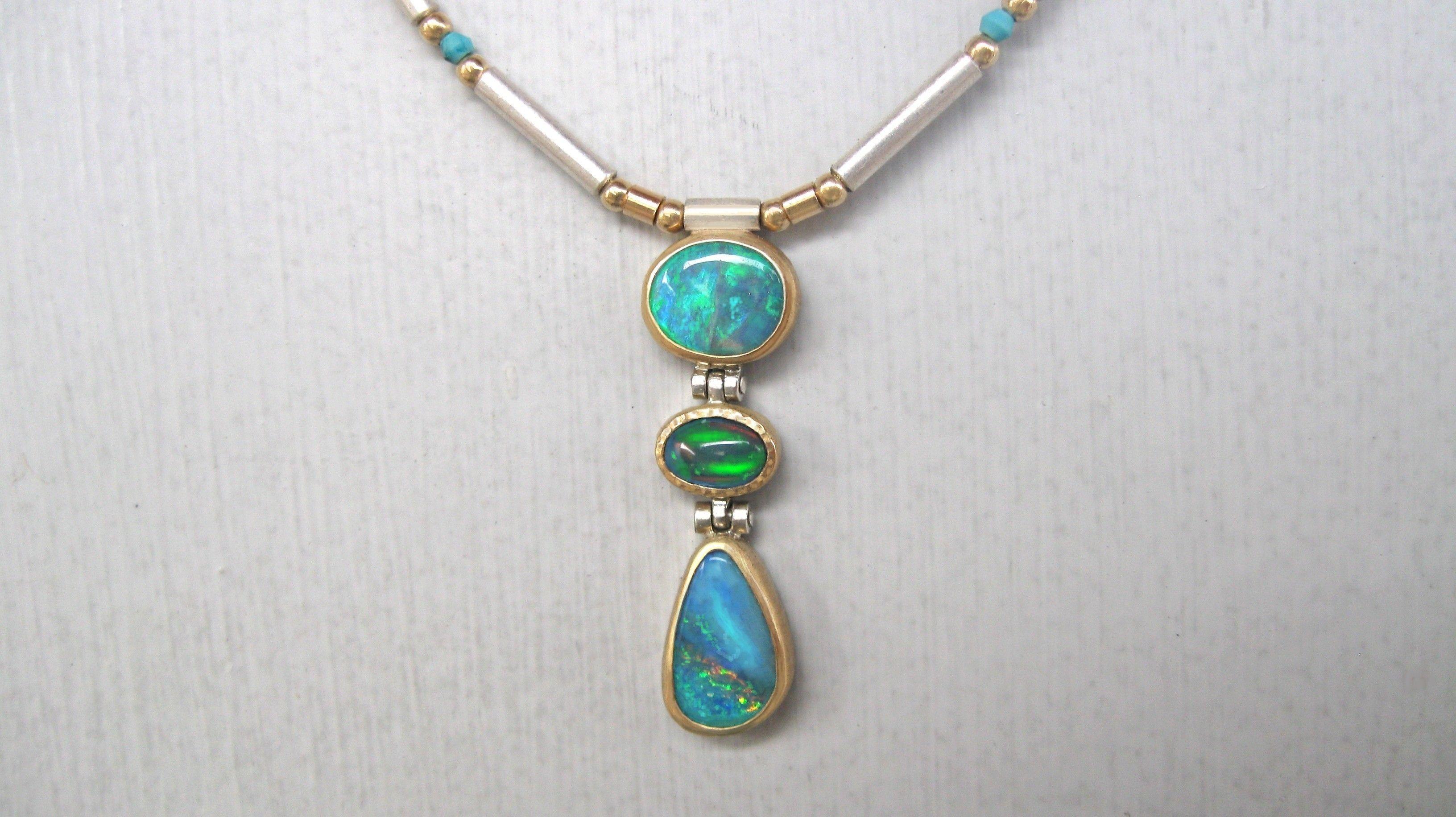Opalkette mit Gold und Silber