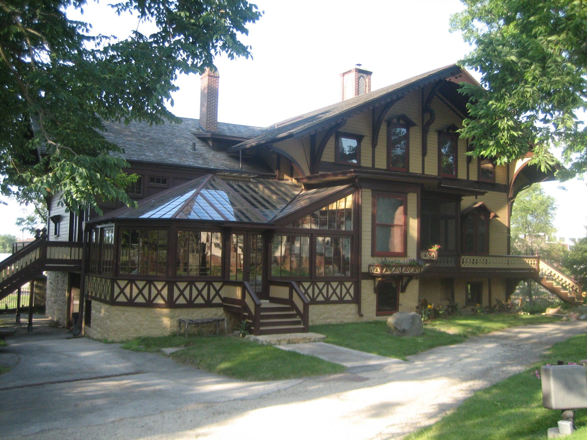 Tinker Swiss Cottage in Rockford, IL | Old Haunts | Pinterest ...