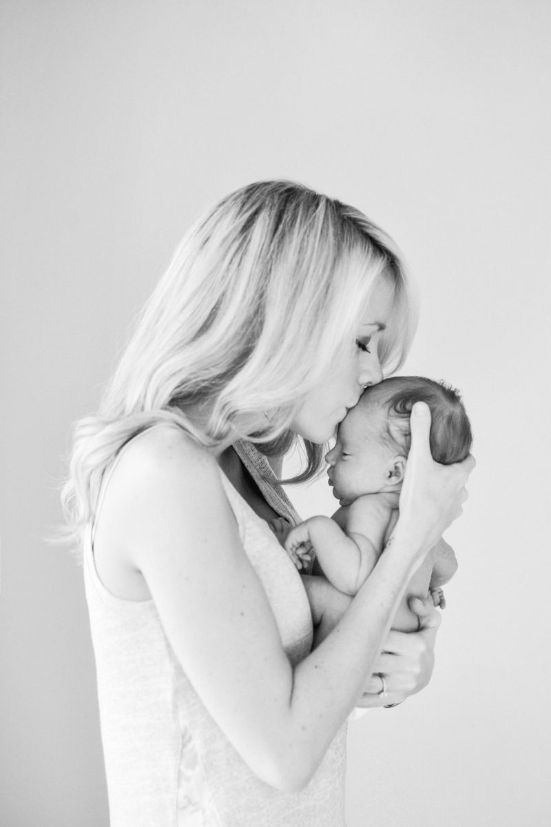 lifestyle newborn photography, airy, light, clean, natural ...