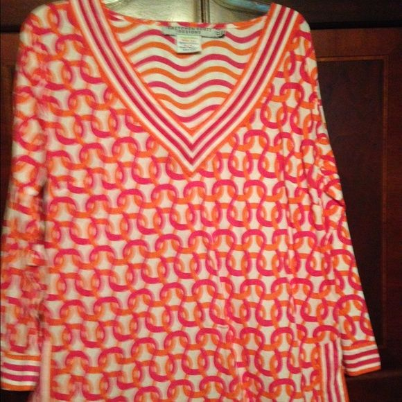 "Gretchen Scott Tunic Size XL Never worn, it was too long. I'm petite 5""1. It has been washed and dried, hoping to shrink it but still does not fit. My loss your gain!  3/4 length sleeve. From shoulder to hem it is 29"" long. Gretchen Scott Designs Tops Tunics"
