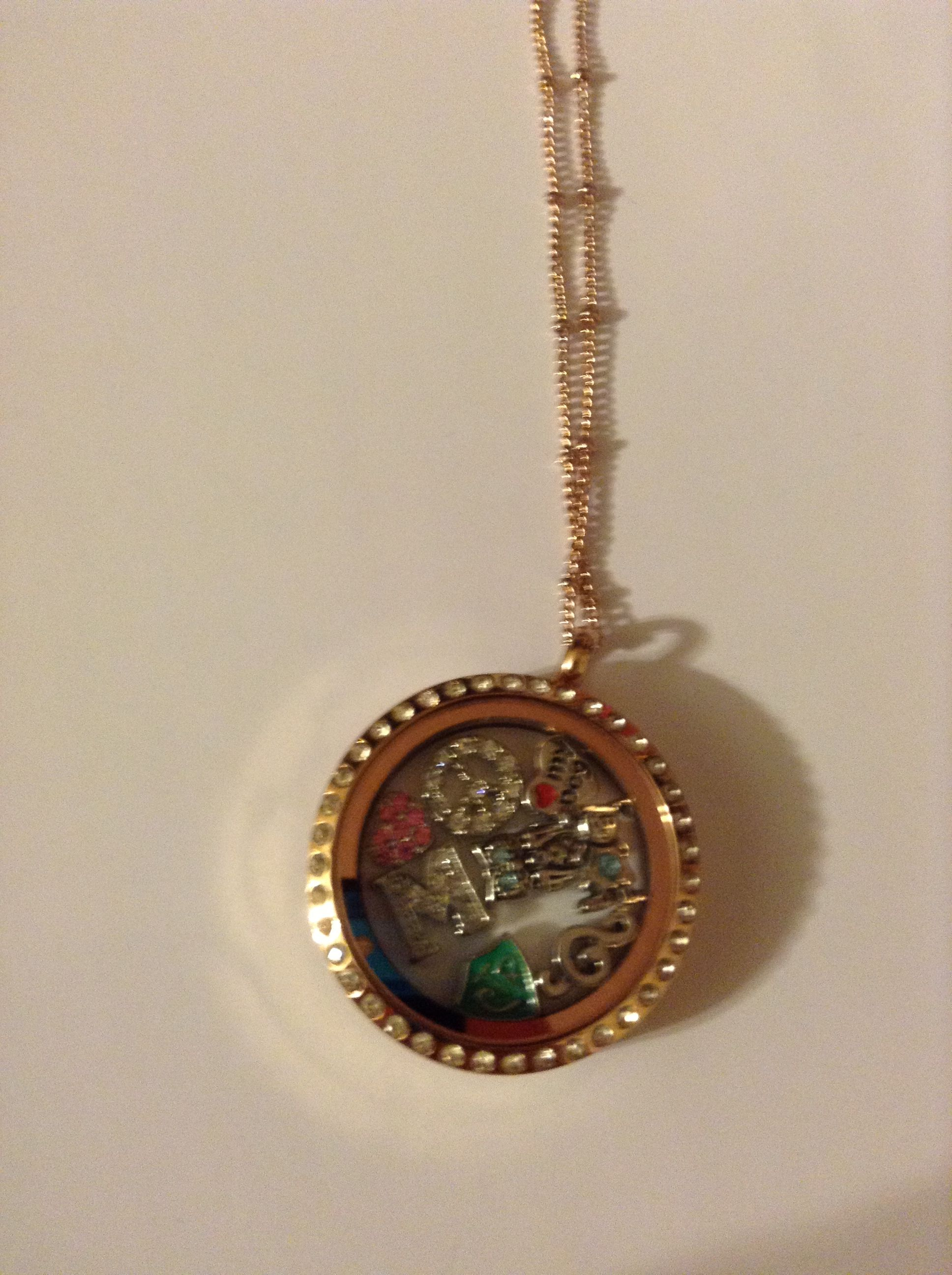 Origami Owl Living Locket with- Diamond peace sign Diamond ... - photo#21
