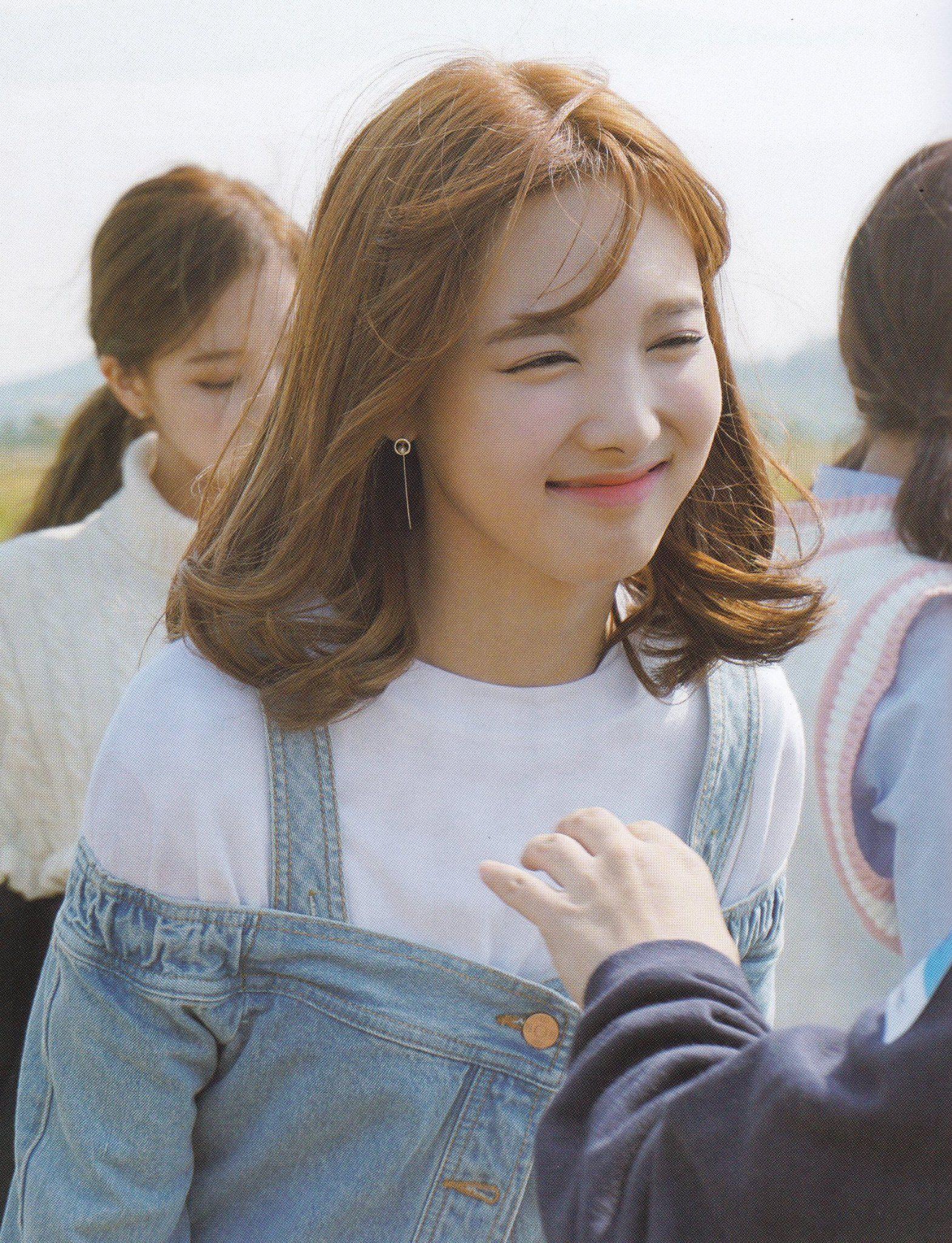 💌💬 on Twitter in 2021   Nayeon, Nayeon twice, Girl