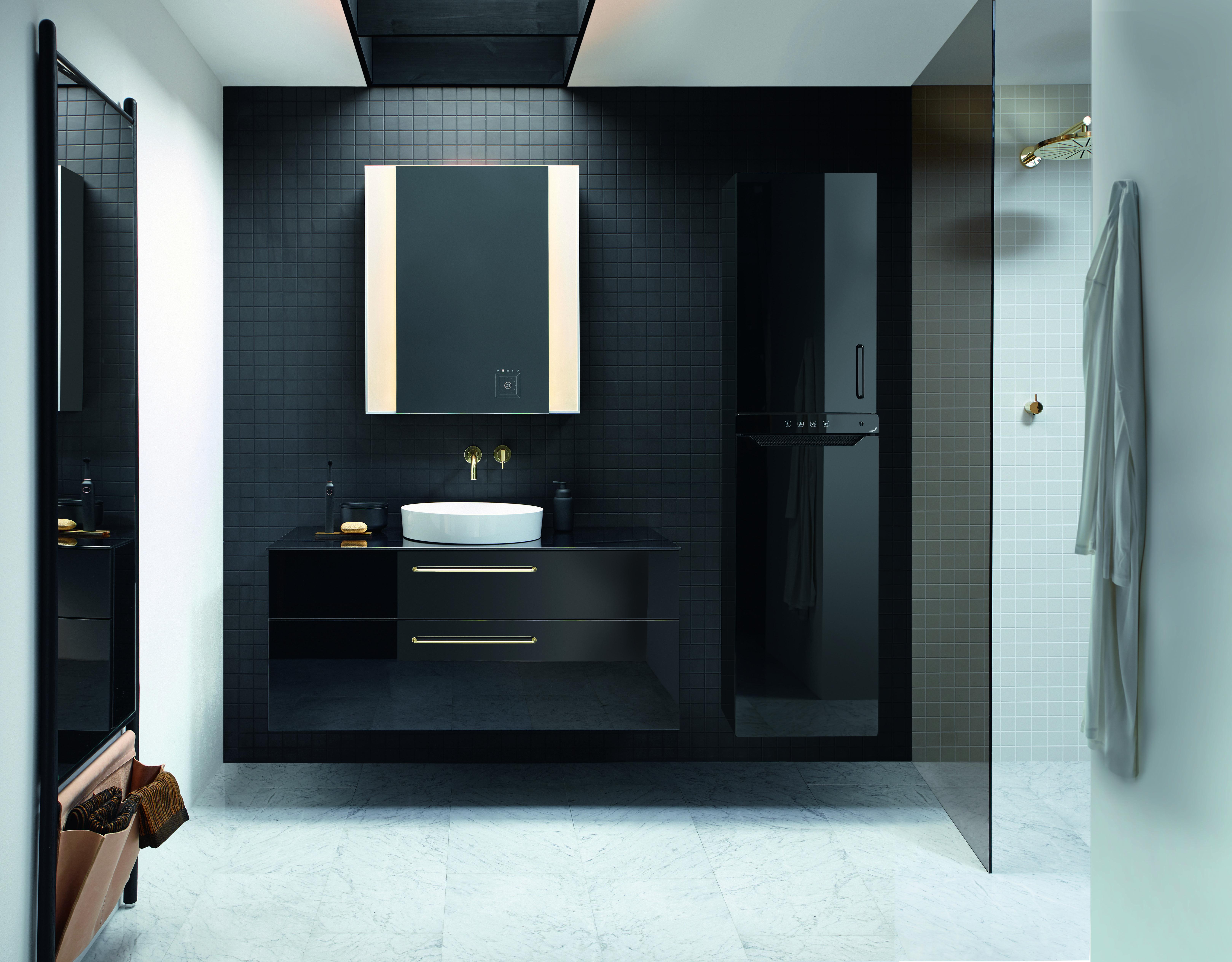 Burgbad Und Zehnder Vorgewarmte Handtucher Aus Dem Schrank Design Heizkorper Badezimmereinrichtung Badezimmer Inspiration