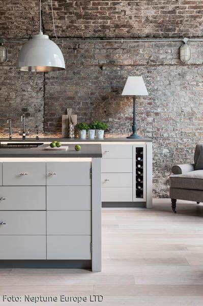 Die schlanke zeitgemäße limehouse küche wurde von modernem industrial design inspiriert ihr gradliniges design
