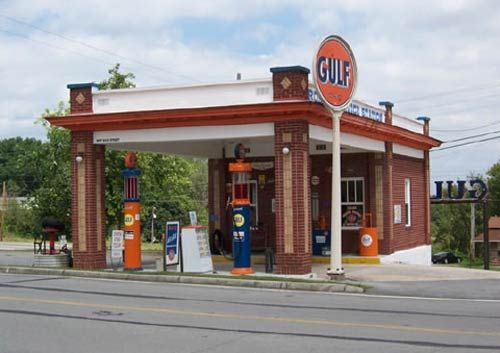 History Classic Gas Stations; We have the building left going to Waynesburg, OH