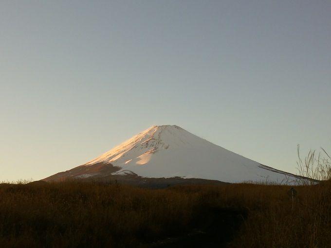 """さすがに山は雪が降る。「備えあれば憂いなし」、ではあれど。  Sasuga ni yama wa yuki ga furu. """"Sonae areba urei nashi"""", dewa aredo.  Tentu saja di gunung turun salju. Walau ada (pepatah), """"sedia payung sebelum hujan""""."""